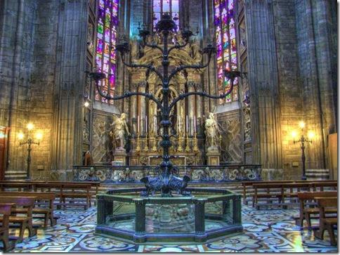 Duomo_03a_Catedral de Milão _Candelabro Tirvulziano