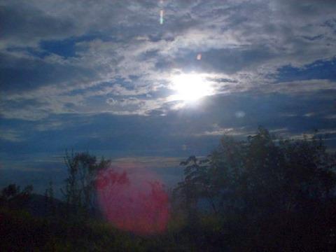Páscoa_26_O sol da segunda_feira saindo de Ouro Preto