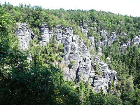 Vista_Bastei_07_formações rochosas